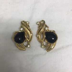 Vintage gold Avon clip on earrings